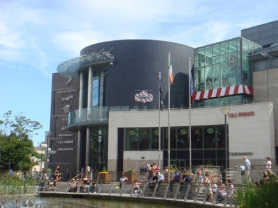 cinema_building_dundrum_town_centre_large